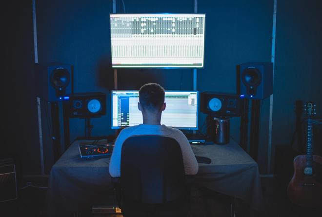 Tama Rhodes Ableton Producing Studio